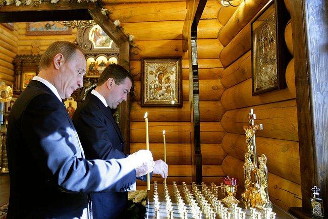 Poutine et Medvedev font la pluie et le beau temps sur le gaz européen.